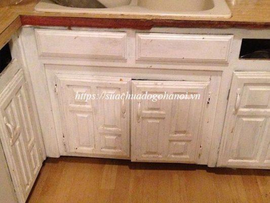 Giá sửa chữa tủ gỗ bếp phụ thuộc vào yếu tố nào