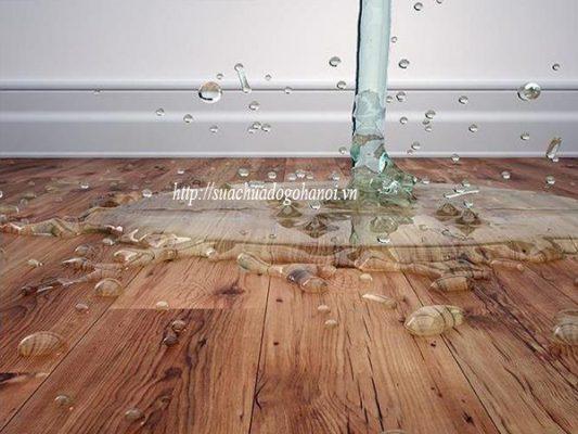 sàn gỗ ngập nước