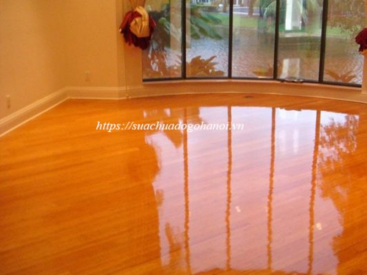 sàn gỗ sáng bóng