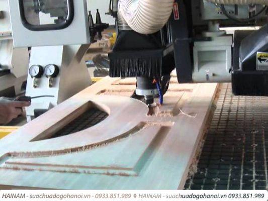 Dịch vụ đóng mới cửa gỗ