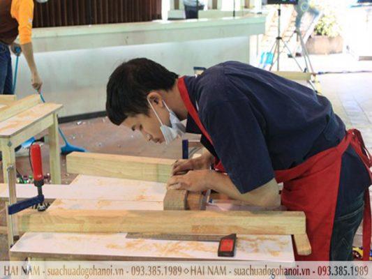 Nên hay không nên thuê thợ tháo lắp đồ gỗ tại nhà