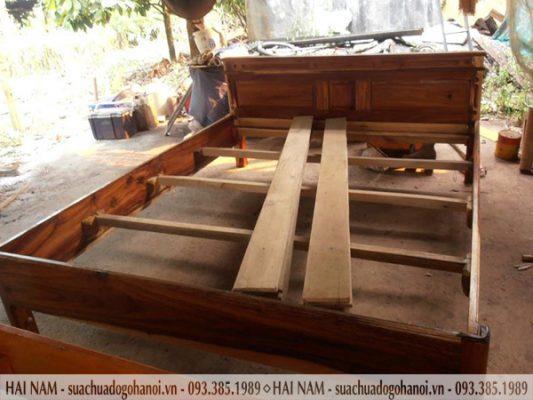 Tháo lắp giường gỗ tại nhà