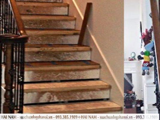Cầu thang gỗ bị phai màu