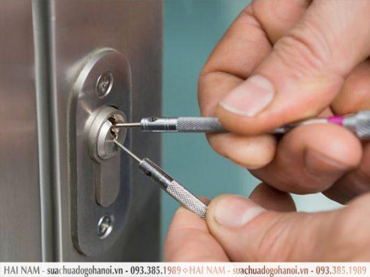 Chốt khóa bị kẹt
