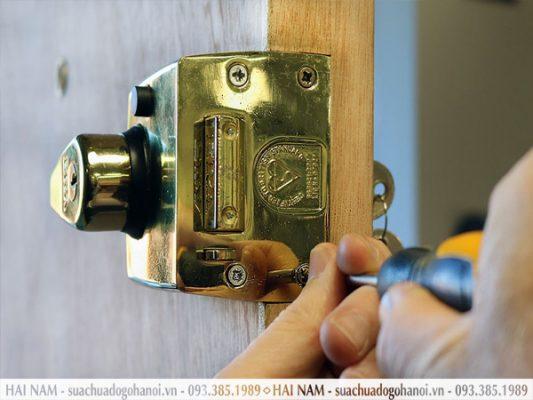 Quy trình sửa chữa khóa cửa gỗ chuyên nghiệp của Hải Nam