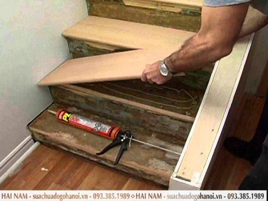 cầu thang gỗ hư hỏng 2