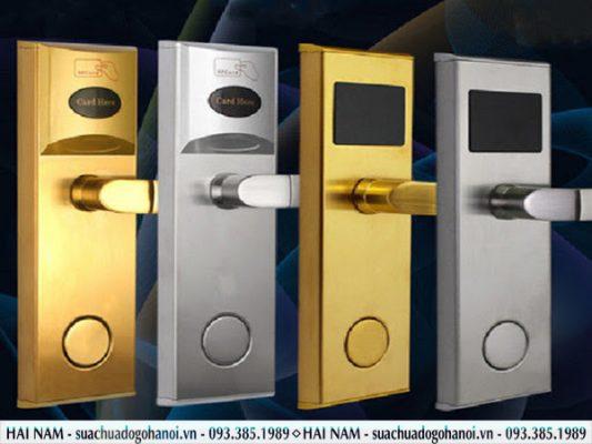 khóa cửa theo chất liệu
